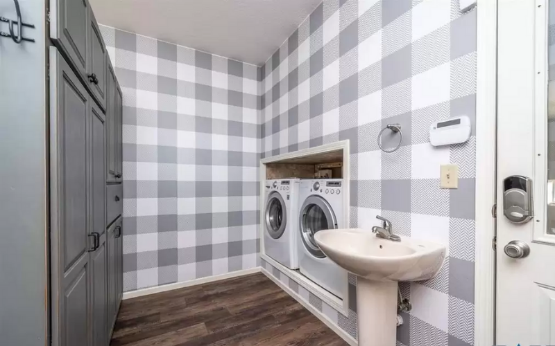 chelsea laundry room